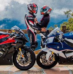 information and pictures for motorcycles Motocross Couple, Motocross Love, Bike Couple, Biker Love, Biker Girl, Motorcycle Couple Pictures, Dj Movie, Duke Bike, Bike Sketch