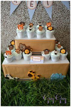 Gorgeous Safari themed cupcakes  #Cupcakes #Safari