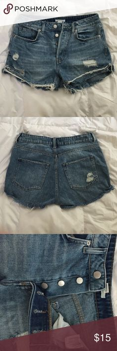 H&M high waisted distressed shorts H&M high waisted distressed shorts. Size 6. Worn once! 100% cotton. Super cute paired with a cropped top H&M Shorts Jean Shorts