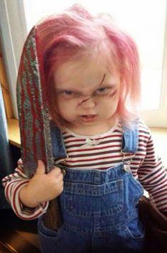 Chucky make the killer doll costume himself - Kostüme Fasching Halloween - Diy Chucky Costume, Chucky Halloween, Homemade Halloween, Doll Costume, Baby Halloween, Halloween Make Up, Halloween Zombie, Costume Ideas, Scary Halloween Costumes