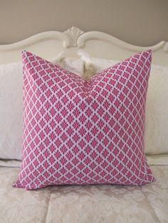 pillow, such a cute pattern