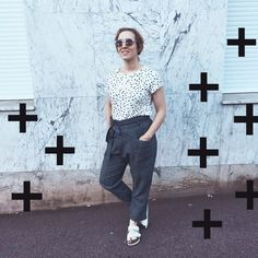 The Creative Contente sur Instagram : Outfit of the yesterday ➕#ootd #ooty #fblogger #fashionblogger #marble #outfit #streetstyle #blogging #polkadots #teambirk #whitebirk #birkenstock #frenchblogger #paris #thecreativecontente