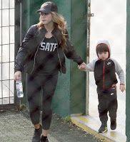 LAS CADERAS TABASCO: Fotos: Shakira y Milan en una práctica de Fútbol en Barcelona (Enero)