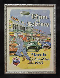 Affiche ancienne de la course des 12hrs de Sebring de 1963. Encadrement noir et argent veritable, (baguette art deco par larson juhl) et verre museum glass. Montage plein bord.