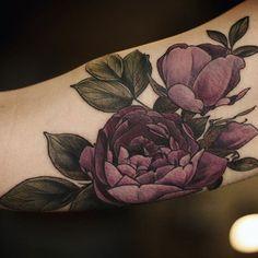Best Tattoo Flower Cover Up 53 Ideas Finger Tattoo – Fashion Tattoos Tattoos Skull, Body Art Tattoos, Sleeve Tattoos, Tatoos, Pretty Tattoos, Beautiful Tattoos, Piercing Tattoo, Piercings, Purple Flower Tattoos