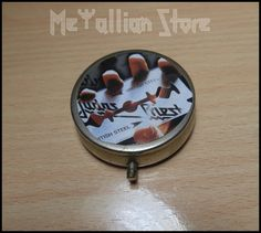 JUDAS PRIEST British Steel Portable Ashtray por MetallianStore, €12.00