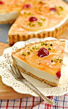 Tart with pineapple and yoghurt-lemon cream Sweet Recipes, Cake Recipes, Dessert Recipes, Polish Recipes, Polish Food, Sweet Tarts, Food Cakes, Cheesecakes, Food And Drink