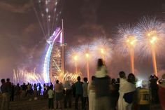A fireworks display at the #Burj_AlArab lasted for about an hour and entertained the thousands who gathered to celebrate National Day. #UAE42