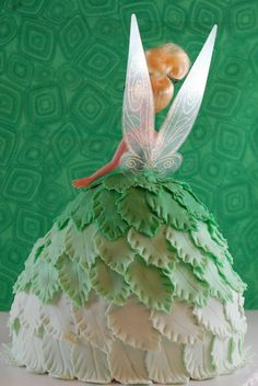 Night Baking: tinkerbell doll cake