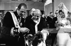 Pope Paul VI receives King of Spain Juan Carlos and his wife Queen Sofia during a private audience on February 11, 1977 in Vatican City,Vatican. (Photo by Gamma-Keystone via Getty Images)