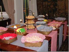 3 cestinhas ( paçoca, bolo de milho e pé de moleque )
