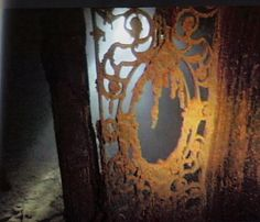 A door into Titanic's 1st class dining room.