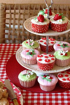 Cupcakes by suzyboot, via Flickr