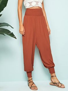 Check out this Shirred Waist & Hem Harem Pants on Shein and explore more to meet your fashion needs! Harem Pants Outfit, Harem Trousers, Trousers Women, Pants For Women, Clothes For Women, Boho Fashion, Fashion Outfits, Teen Fashion, Trendy Outfits