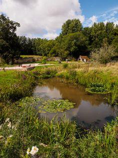 dans les jardin et parc de l'abbaye  - à Daoulas  © Paul Kerrien  https://en-photo.fr Finistère Bretagne