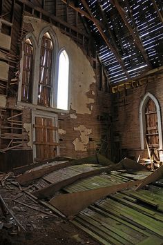 Thirty abandoned churches from around the world - Gadling
