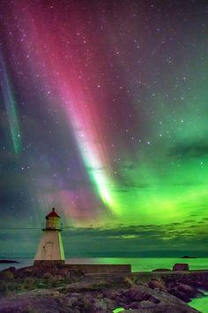 Northern lights above Blindheim, Norway AURORA Beautiful Sky, Beautiful World, Beautiful Places, Beautiful Pictures, All Nature, Amazing Nature, Aurora Borealis, Northen Lights, Belle Photo