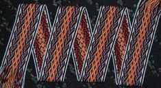 MODERNE MUSTER – Brettchenweben – Kunst und Handwerk Striped Pants, Pajama Pants, Pajamas, Fashion, Tejidos, Needlepoint, Modern Patterns, Arts And Crafts, Linen Fabric