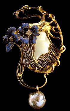 """Cornflowers"" Necklace Gold, enamel, white chalcedony, pearls Rene Lalique. 1898"