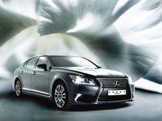 강력한 드라이빙 머신의 주행 성능을 추구하면서도 최상의 럭셔리 카가 지녀야 할 안락함에 있어서는 한 치의 양보도 하지 않는 렉서스 LS.  | Lexus i-Magazine Ver.2 앱 다운로드 ▶ www.lexus.co.kr/magazine  #Lexus #LS #Car #Magazine