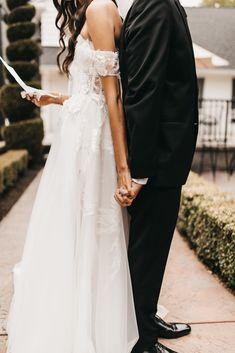 Wedding Picture Poses, Wedding Dresses Photos, Wedding Poses, Wedding Shoot, Wedding Couples, Wedding Pictures, Wedding Ideas, Wedding First Look, Dream Wedding