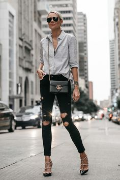 white and black pinstriped long-sleeved shirt and distress black skinny jeans Cute Winter Outfits, Casual Outfits, Cute Outfits, Fashion Outfits, Work Fashion, Style Fashion, Summer Outfits, Ripped Skinny Jeans, Distressed Skinny Jeans