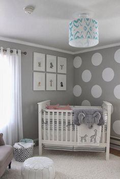 Quarto bebe cinza | The best baby room home design ideas! See more inspiring images on our boards at: http://www.pinterest.com/homedsgnideas/baby-room-home-design-ideas/