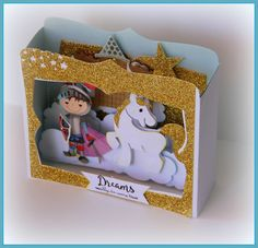 CARTE BOITE MARIANNE DESIGN CHEVALIER VUE DU DESSUS Card In A Box, Pop Up Box Cards, 3d Cards, Aliexpress Dies Cards, Marianne Design Cards, Diy And Crafts, Paper Crafts, Craft Punches, Design Poster