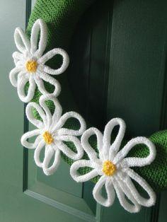 Daisy Wreath Pattern - Knitting Patterns and Crochet Patterns from KnitPicks.com