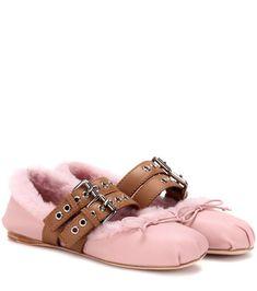 MIU MIU Shearling-Lined Leather Ballerinas. #miumiu #shoes #flats