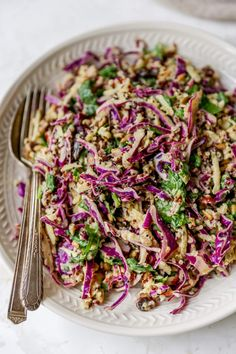 This easy apple slaw features red cabbage, spinach, quinoa and a creamy tahini dressing. It's such a healthy and unique twist on traditional coleslaw. Good Healthy Recipes, Lunch Recipes, Paleo Recipes, Recipe Using Quinoa, Apple Slaw, Roll Ups Recipes, Coleslaw, Healthy Eating, Favorite Recipes