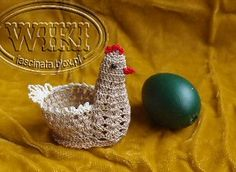Crochet Applique Patterns Free, Easter Crochet Patterns, Crochet Birds, Crochet Animals, Crochet Chicken, Easter Egg Pattern, Crochet Embellishments, Holiday Crochet, Crochet Kitchen