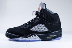 Nike air jordan 5 v 'metallic' styles - jordans, sn Ankle Sneakers, Best Sneakers, Slip On Sneakers, Leather Sneakers, Sneakers Fashion, Metallic Sneakers, Sneakers Box, Sneakers Sale, Work Sneakers