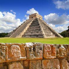 Chichen Itza, best preserved Maya site on the Yucatan peninsula Aztec Ruins, Mayan Ruins, Ancient Ruins, Ancient Greek, Tikal, Riviera Maya, Yucatan Mexico, Cancun Mexico, Iles Grenadines