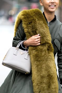 How to wear a furry stole.