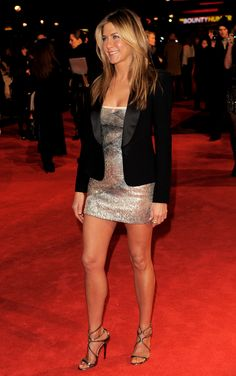 Jennifer Aniston {where this blazer hits: top half of the butt}