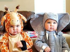 Baby wearing an elephant costume & another baby wearing a giraffe costumes Baby Kostüm, Baby Kind, Baby Boys, Twin Boys, Little People, Little Ones, Cute Kids, Cute Babies, Chubby Babies