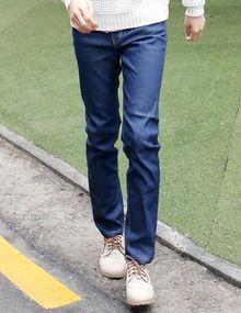 Today's Hot Pick :スリムインディゴデニムパンツ http://fashionstylep.com/SFSELFAA0010834/top3666jp1/out 鮮やかブルートーンがシャープな着こなしを演出★ 定番人気アイテムのインディゴデニムパンツです。 ストレートスリムなシルエットにすることで、 男のボトムスタイルをかっこよく見せてくれます。 トップス、靴、どれも好相性◎着まわし力グッドです。