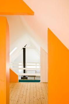 Lush use of colours in this Summer house by LASC Studio - love it!