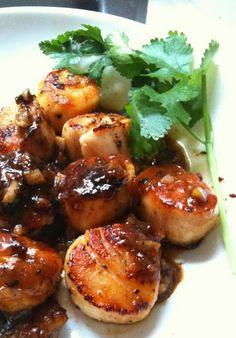 Seared scallops with orange glaze
