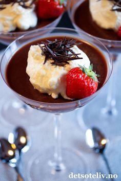 Panna cotta med melkesjokolade | Det søte liv