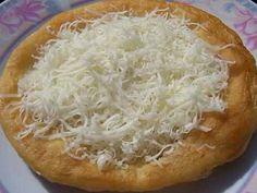 Finom lángos recept, ami fagyasztható is **Katt a képre ha érdekel a receptje** Hungarian Cuisine, Hungarian Recipes, Kefir, Bread Dough Recipe, Good Food, Yummy Food, Bread And Pastries, Love Eat, Pancakes And Waffles