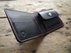 Bi-fold leather wallet with coin pouch