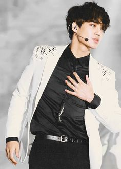 EXO KAI *-* Can we just take a moment to appreciate all this gloriousness ♥.♥