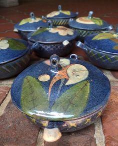 :D❤️Vintage Mexican Tlaquepaque Pottery 1950s Set 7 Dishes 6.5 in - Folk Art Decor