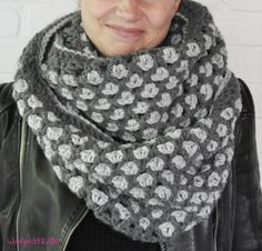 Crochet Loop Scarf - Free Guide with Katia Alaska - DIY_crochet. Crochet Diy, Crochet Loop, Poncho Au Crochet, Poncho Knitting Patterns, Love Crochet, Crochet Scarves, Crochet Clothes, Crochet Patterns, Free Knitting