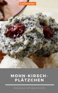 Poppy Cherry Cookies- Mohn-Kirsch-Plätzchen Are you already in the Christmas mood? These poppy-cherry biscuits already make you want to bake delicious Christmas cookies, right? Christmas Biscuits, Christmas Baking, Christmas Mood, Christmas Cookies, Christmas Fashion, Meat Recipes, Cookie Recipes, Snack Recipes, Cherry Cookies