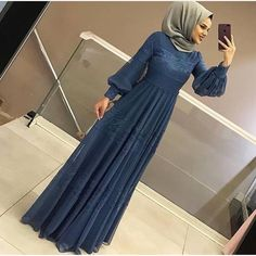 Hamzadere Tesettür Abiye Elbise Fiyat: 129 tl – Tesettür Ferace Elbise Modelleri 2019 Hamzadere Islamic Clothing Evening Dress Price: 129 TL to the I Hijab Evening Dress, Hijab Dress Party, Hijab Style Dress, Evening Dresses, Islamic Fashion, Muslim Fashion, Fashion Clothes, Fashion Dresses, Dress Outfits