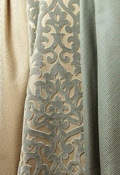 New Damask Wallpaper Living Room Curtains Ideas Damask Wallpaper Living Room, Fabric Wallpaper, Fabric Decor, Fabric Design, Classic Decor, Beautiful Sofas, House Beautiful, Passementerie, Curtain Designs