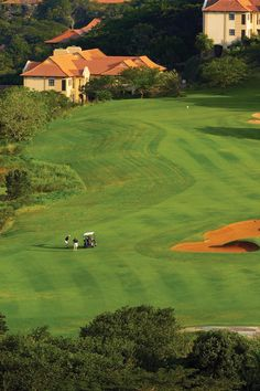 Guests of the Fairmont Zimbali Lodge enjoy special rates at the world renowned Zimbali Country Club. Public Golf Courses, Best Golf Courses, Coeur D Alene Resort, Golf Course Reviews, Africa Destinations, Beaches In The World, Most Beautiful Beaches, East Coast, Travel Around